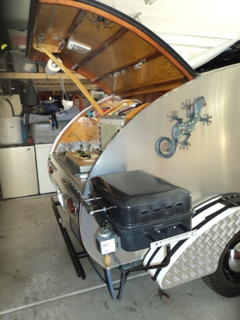 teardrop trailer, vintage trailer, custom trailer, camping, tiny trailer, DIY, build details
